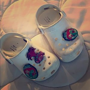 White crocs for toddler